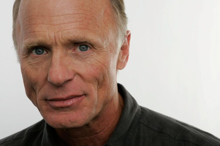 Ed Harris, His performances in Apollo 13, The Truman Show, Pollock and The Hours earned him critical acclaim in addition to Academy Award nominations.