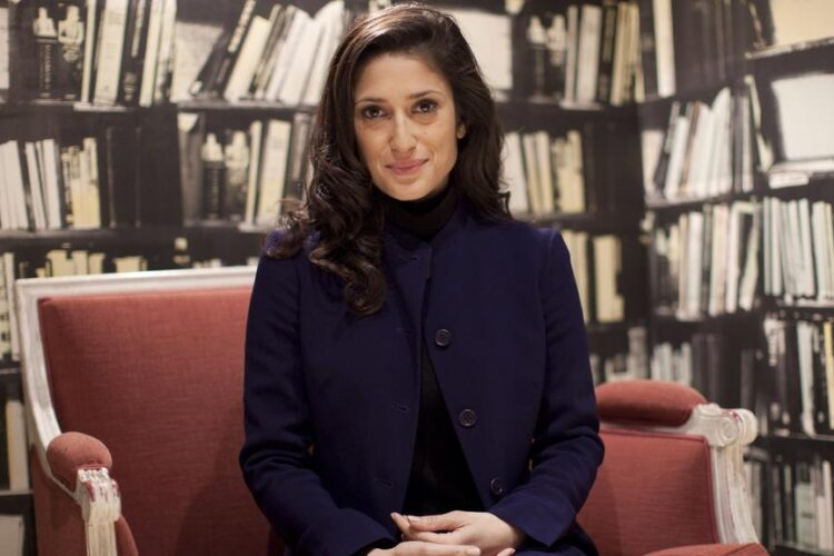 "Fatima Bhutto, Pakistani Writer, Poet, Activist, ""Whispers in the Desert"", ""Songs of Blood and Sword"", ""The shadow of The Crescent Moon"", ""The Runaways"", famous newspaper Jang and its English twin 'The News'"