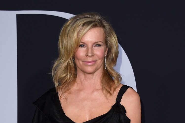 Kim Basinger, a successful modeling career in New York, Basinger moved to Los Angeles where she began her acting career on television in 1976.