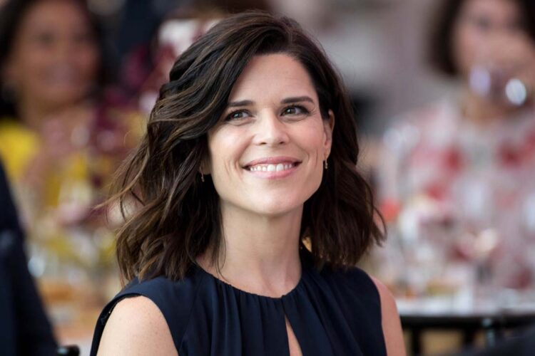 Neve Campbell, She is best known for her starring roles as Julia Salinger on the Fox television drama series Party of Five, and as Sidney Prescott in the slasher film franchise Scream.