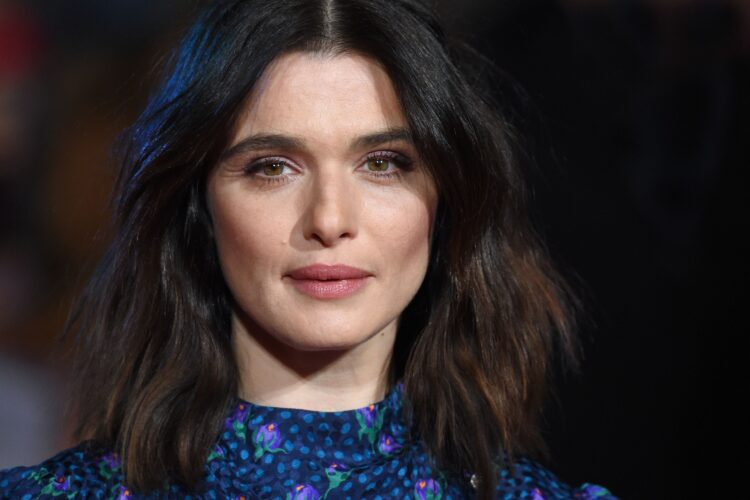 Rachel Weisz, Weisz began acting in British stage and television in the early 1990s, and made her film debut in Death Machine