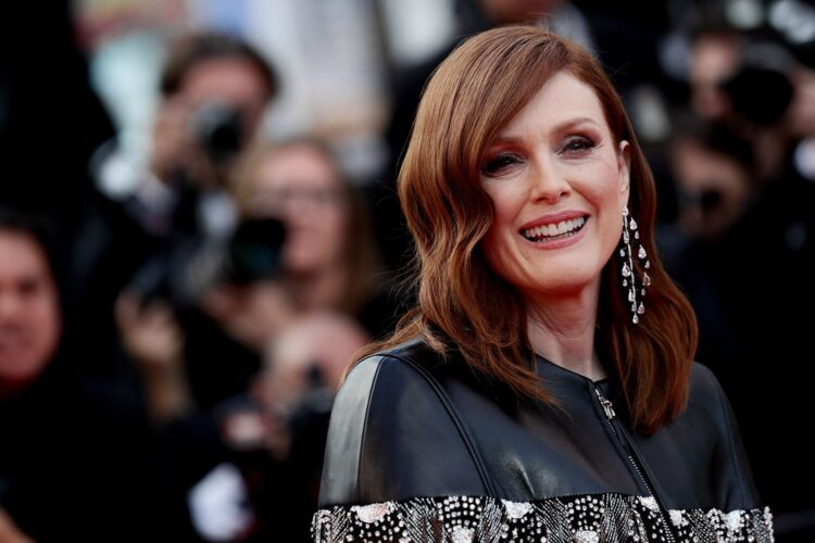 Julianne Moore, she is particularly known for her portrayals of emotionally troubled women in both independent and blockbuster films, and has received many accolades,