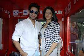 Armaan Jain and Deeksha Seth, Raj Kapoor's grandson Armaan Jain made his debut in Bollywood with 'Lekar Hum Deewana Dil'. Deeksha Seth also made her Bollywood debut with this movie.