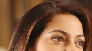 Juhi Chawla eyes, has beautiful eyes