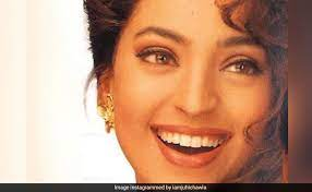 Juhi Chawla smile, she has charming smile