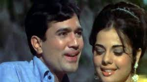 Rajesh Khanna and Mumtaz, The much celebrated on-screen couple of the 70s was none other than Rajesh Khanna and Mumtaz. Prem Kahani, Do Raaste, and Aap Ki Kasam are some of their hit films.