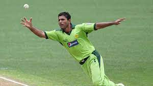 Abdul Razzaq, a Pakistani former cricketer, who played all formats of the game.